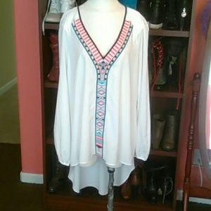 Bisou Bisou high low long sleeve top